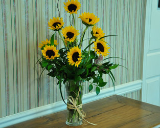 Majestic Sunflowers Upper Darby Polites Florist, Springfield Polites Florist